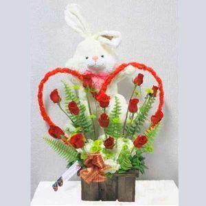 Arreglo de Flores con Peluche y Rosas Roger